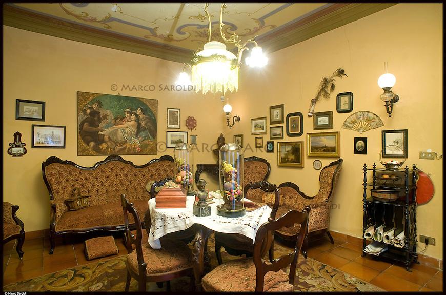 Il Salotto di Nonna Speranza nella villa del Meleto, residenza di Guido Gozzano ad Agli